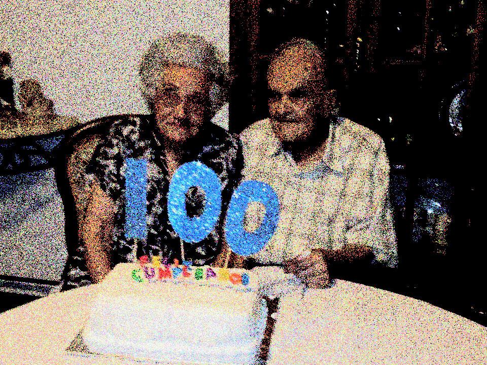 Feliz 100 Años Abuelito Pienso Luego Existo